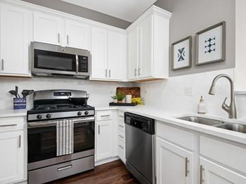 7501 Gladstone Drive 1-2 Beds Apartment for Rent Photo Gallery 1