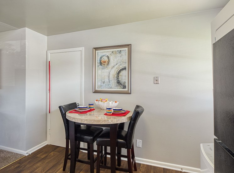 Dining Area at 11 North at White Oak Apartments