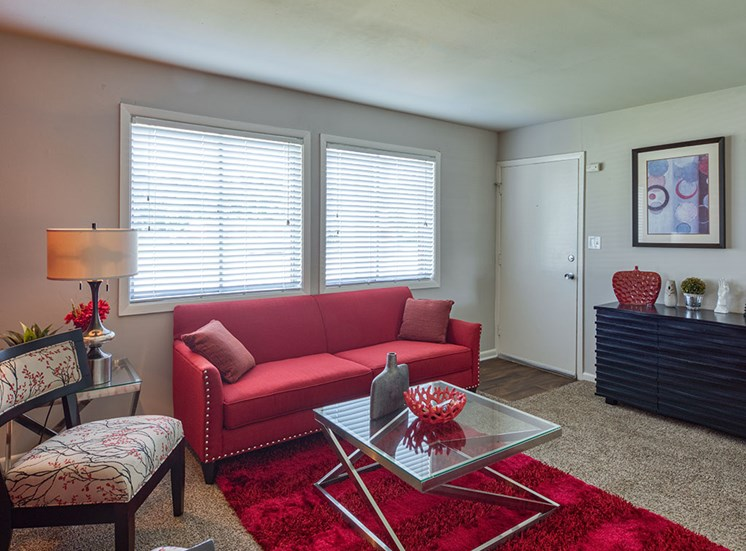 Living area at 11 North at White Oak Apartments