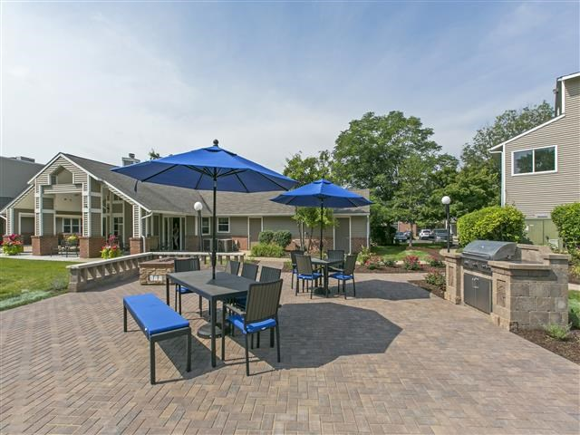 Large Outdoor Spaces at Hunter's Glen, Aurora, IL