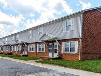 2345 Statesville Blvd 2 Beds Apartment for Rent Photo Gallery 1