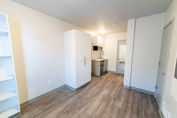 4516 Meridian Ave N Studio Apartment for Rent Photo Gallery 1