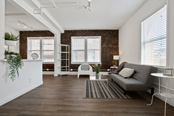2208 West 8th Street Studio Apartment for Rent Photo Gallery 1