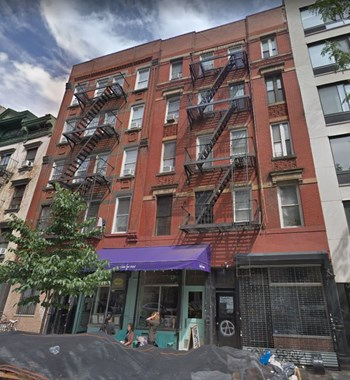 521-523 East 12 Street Studio Apartment for Rent Photo Gallery 1