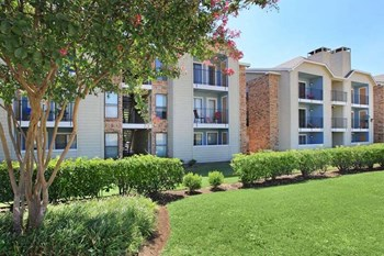 3750 Rosemeade Pkwy 1-2 Beds Apartment for Rent Photo Gallery 1