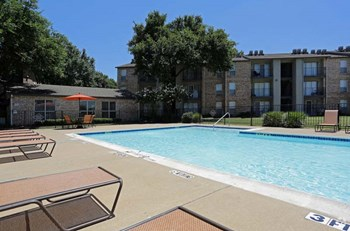 4141 Rosemeade Pkwy Studio Apartment for Rent Photo Gallery 1
