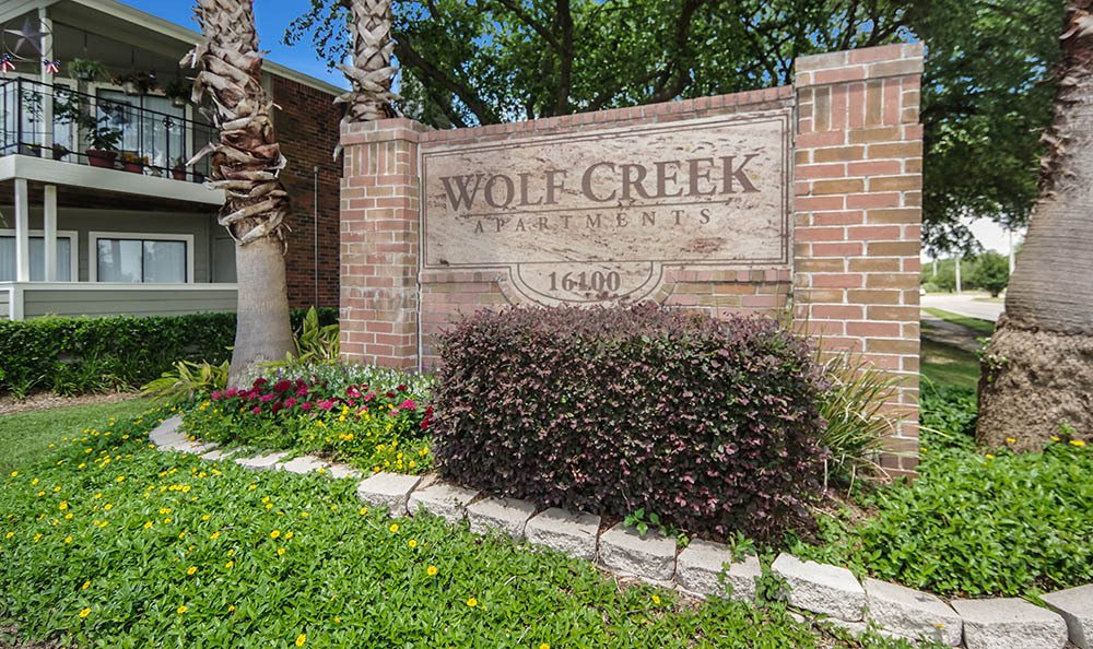 Main Monument Sign | League City Apartments For Rent | Wolf Creek