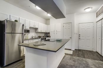 5383 Southern Blvd Studio-2 Beds Apartment for Rent Photo Gallery 1