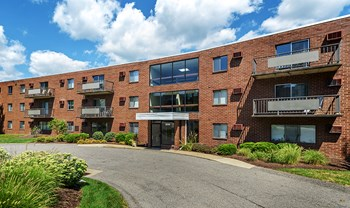 2000 Westpointe Dr Apt 110 1-3 Beds Apartment for Rent Photo Gallery 1