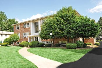 80 N Lake Dr 1-3 Beds Apartment for Rent Photo Gallery 1