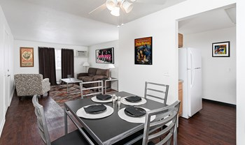 419L Holley St 1-3 Beds Apartment for Rent Photo Gallery 1