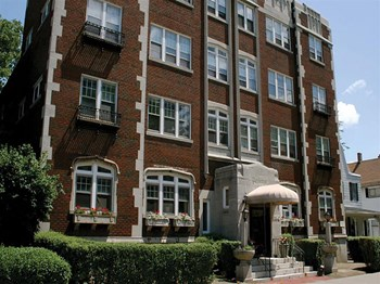 1190 Park Ave 2 Beds Apartment for Rent Photo Gallery 1