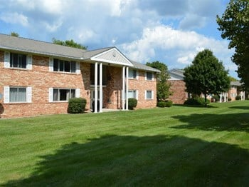 41 High Manor Dr 1-2 Beds Apartment for Rent Photo Gallery 1