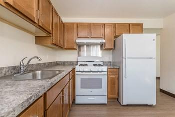 314 Wilson Ave Studio Apartment for Rent Photo Gallery 1