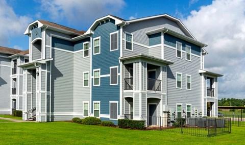 Cambria Cove Exterior Image | Houston Apartments For Rent | Cambria Cove