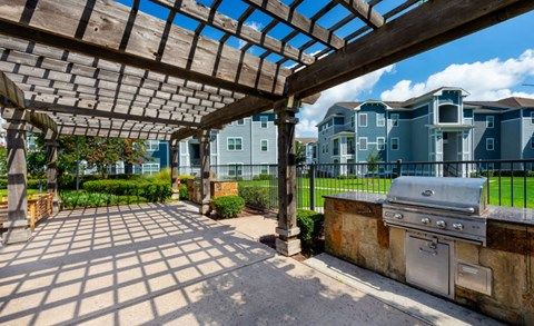 Resident Grilling Station | Houston Apartments For Rent | Cambria Cove