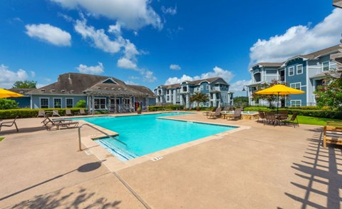 Sparkling Pool | Houston Apartments For Rent | Cambria Cove