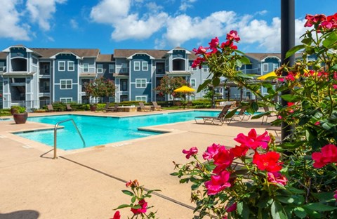 Cambria Cove Sparkling Pool | Houston Apartments For Rent | Cambria Cove