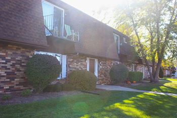 651 Schiller St. #104 2 Beds Apartment for Rent Photo Gallery 1