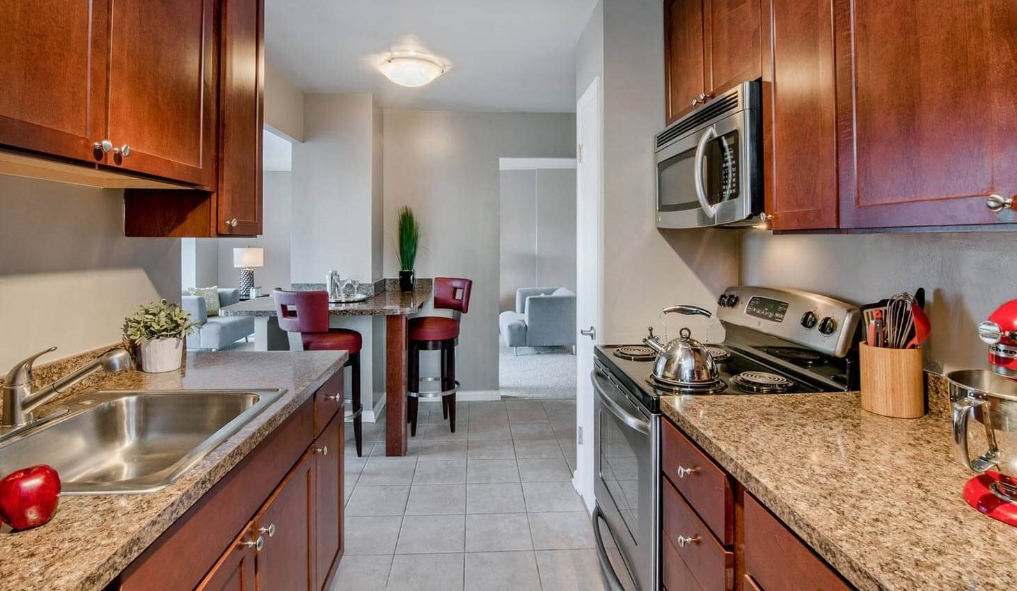 Apartments in Alexandria, VA | The Summit
