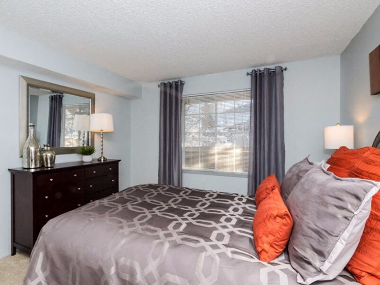 Spacious Bedrooms at SkyView Apartment Homes, Westminster, CO, 80234