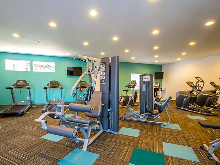 Fitness Center With Modern Equipment at SkyView Apartment Homes, Westminster, CO, 80234