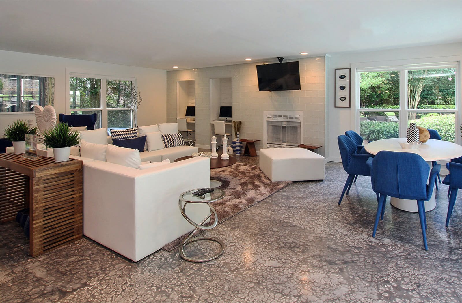 Resident Lounge with WiFi at The Addison at Sandy Springs Apartment Homes, Sandy Springs, GA, 30350
