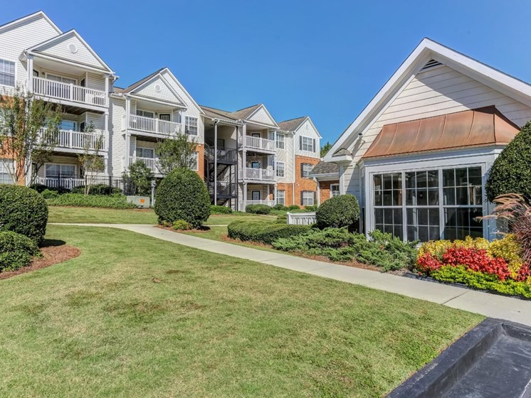 Beautifully Landscaped Grounds at Tramore Village Apartment Homes, Austell, GA, 30106