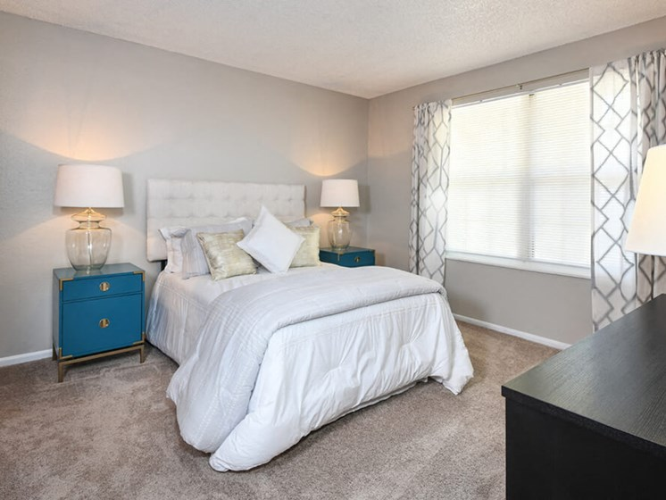 King Size Bedroom at Arcadia Apartment Homes, Colorado