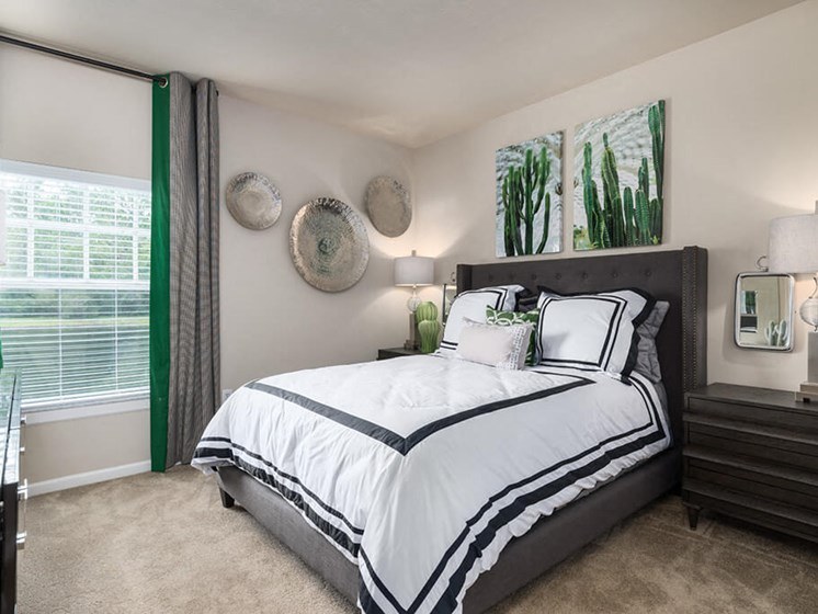 Beautiful Bright Bedroom at Courtney Meadows, Jacksonville, 32256