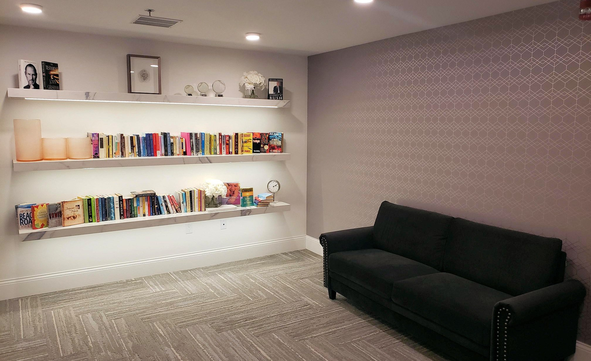 A library with books at The James Ferndale senior apartments