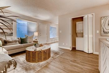 2501 Hurley Way 1-3 Beds Apartment for Rent Photo Gallery 1