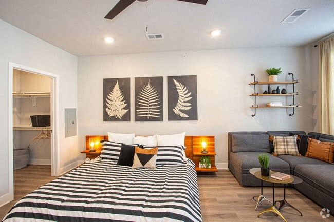 Studio Apartment With Modern Furniture at Revolve at OneFifteen, Kansas
