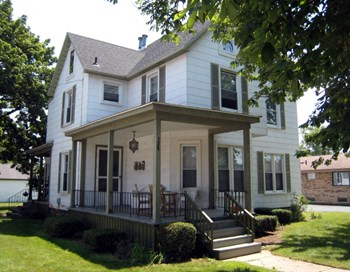 136 Walnut Boulevard 1 Bed Apartment for Rent Photo Gallery 1