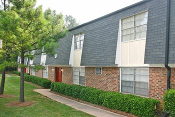 4590 Washington Rd 1-2 Beds Apartment for Rent Photo Gallery 1