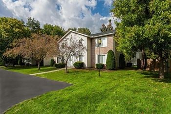 176 Kingsberry Dr Apt B 1 Bed Apartment for Rent Photo Gallery 1