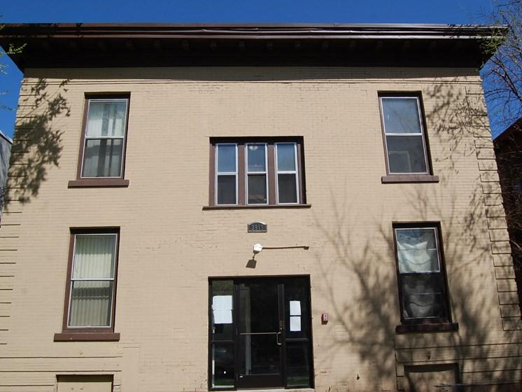 2815 Pleasant Avenue Front Entry