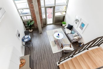 18120 102nd Avenue NE 1 Bed Apartment for Rent Photo Gallery 1
