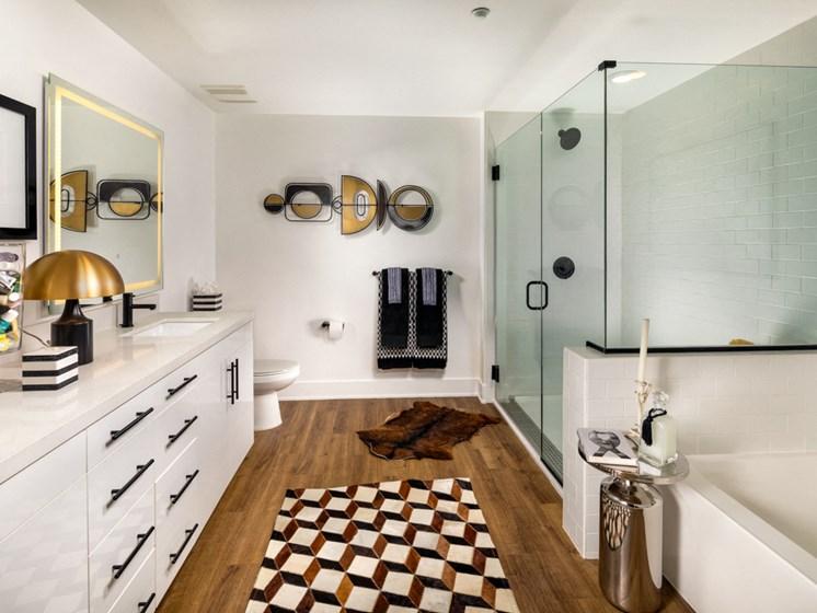 Clarendon Two Bedroom Master Bath