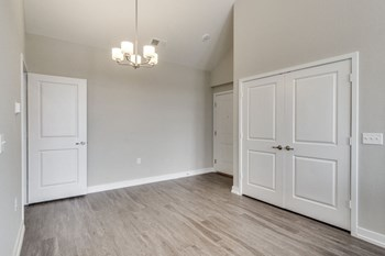 1151 W Normantown Road 3 Beds Apartment for Rent Photo Gallery 1