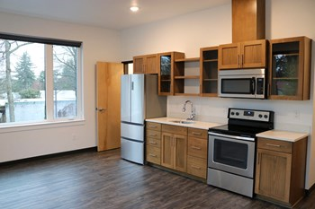 6615 SE 52Nd Ave Studio Apartment for Rent Photo Gallery 1