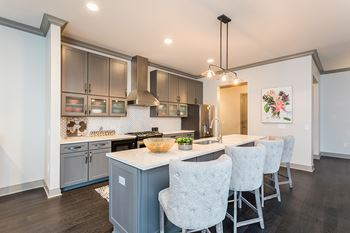 1100 Anchor Line Dr 1-2 Beds Apartment for Rent Photo Gallery 1