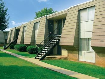 6300 North Meridian Avenue Studio-2 Beds Apartment for Rent Photo Gallery 1