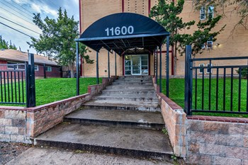 11600 East 16th Avenue Studio-2 Beds Apartment for Rent Photo Gallery 1