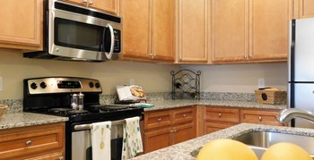 5402 Garden Lake Dr 1-3 Beds Apartment for Rent Photo Gallery 1