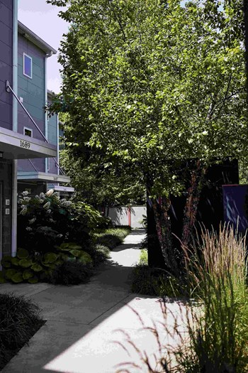11805 Euclid Ave 1 Bed Apartment for Rent Photo Gallery 1