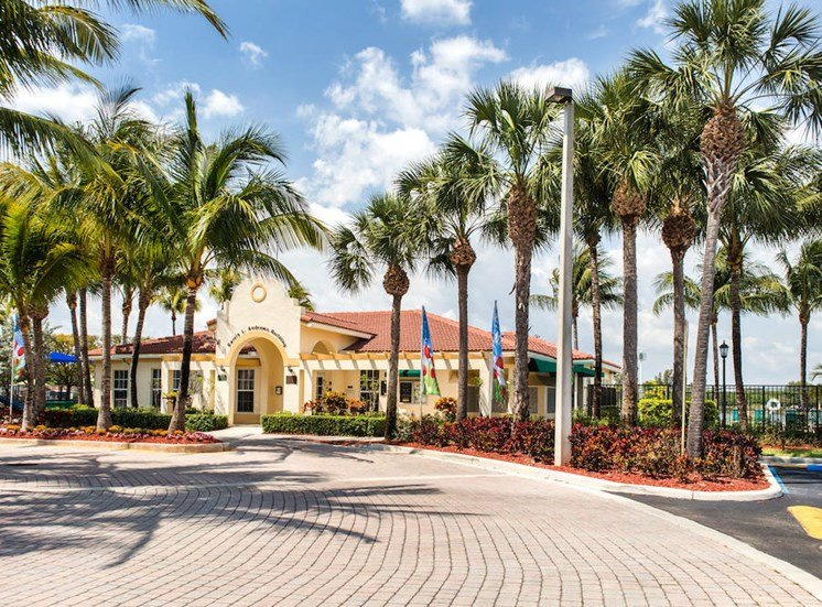 lush landscaping beautifies Crystal Lake Apartments in Hollywood, FL