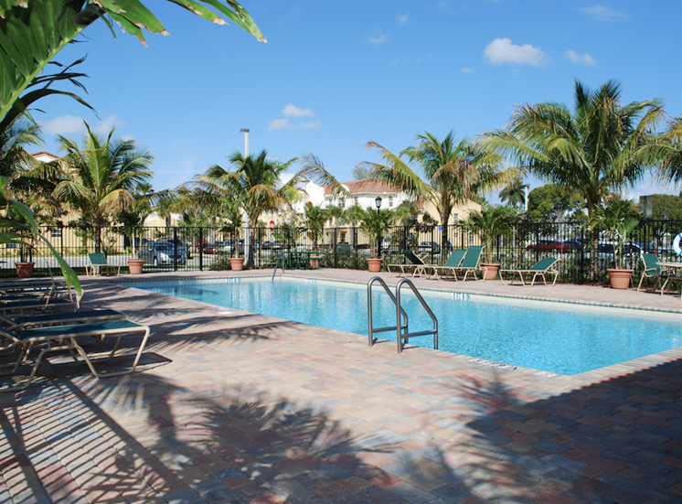 sparkling pool and sundeck at Crystal Lake in Hollywood, FL