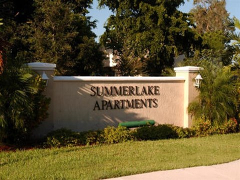 Summerlake Apartments| Entrance sign