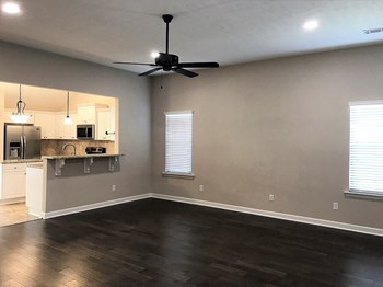 7093 Summerton Drive 3 Beds House for Rent Photo Gallery 1